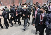 Pedro Castillo se dirige hacia Palacio de Gobierno, luego de participar en la Misa de la Nación en la Iglesia Las Nazarenas. Foto: John Reyes/La República
